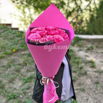 7 пионовидных кустовых роз