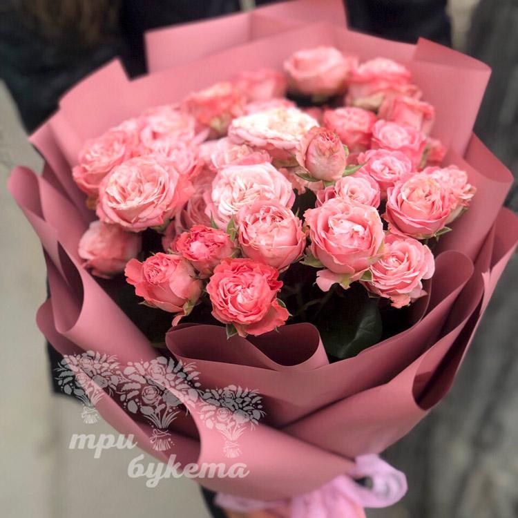 9 кустовых пионовидных роз (приближенный вид)