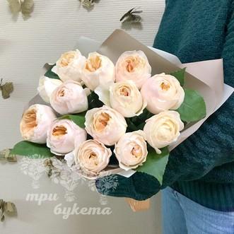 Пионовидные розы в крафте