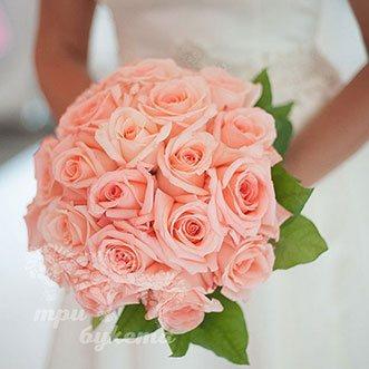 Букет невесты из персиковых роз