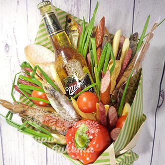 Букет из рыбы, пива и колбасы