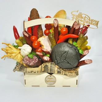 Охотничьи колбаски и сыр в ящичке