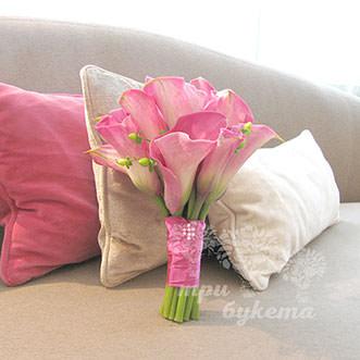 Букет из 11 розовых калл