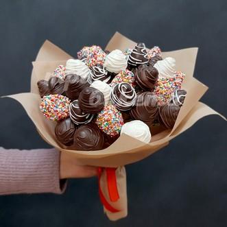 Букет из 37 клубники в шоколаде