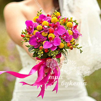 Букет невесты из орхидей и фрезий