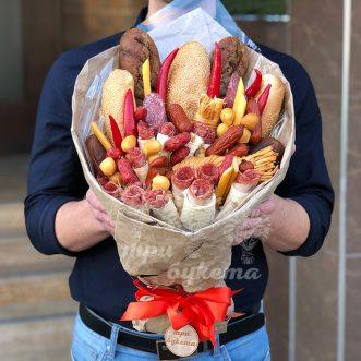 Мужской букет из мясной нарезки фото