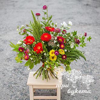 Букет из полевых цветов и гербер фото