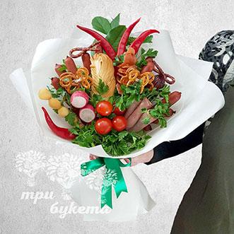 Букет из колбасы, овощей и зелени