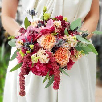Букет невесты из маттиол и эустом