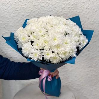 Букет белых кустовых хризантем фото