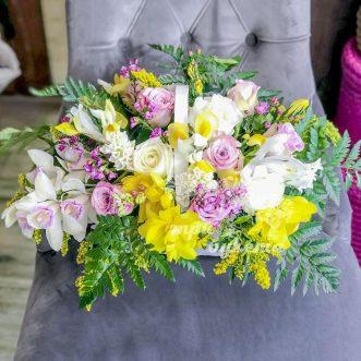 Корзина роз и орхидей фото