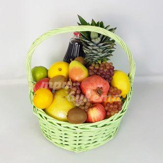 Корзина фруктов с гранатовым соком